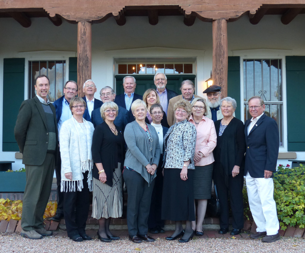After the FFN Board's November 2015 business meeting in Santa Fe, members were able to visit the New Mexico home of Finlandia Foundation founders Yrjö and Leonora Curtin Paloheimo. Host George Paloheimo (far right) joined the group for dinner at the Acequia Madre House.